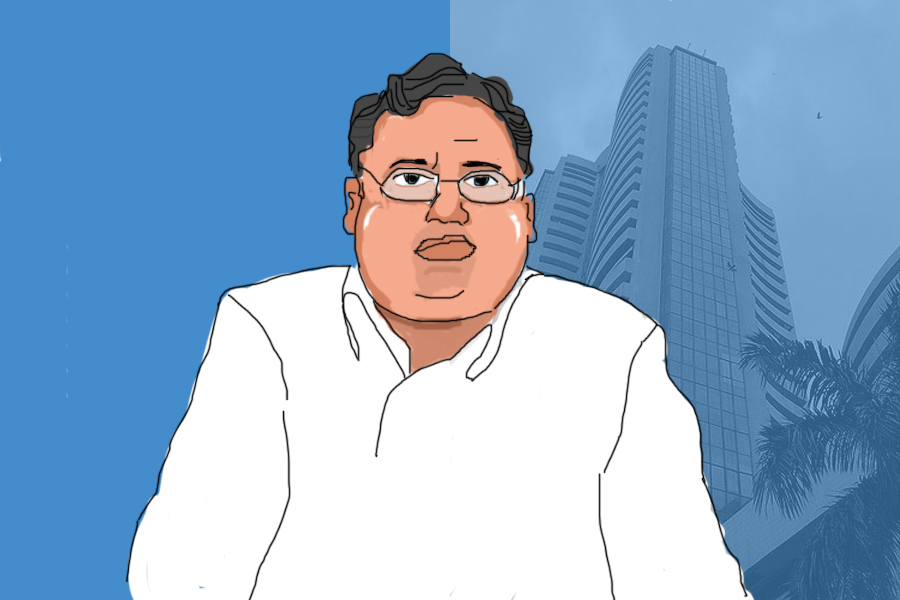 Rakesh Jhunjhunwala ups stake in Federal Bank, NCC, VIP Industries